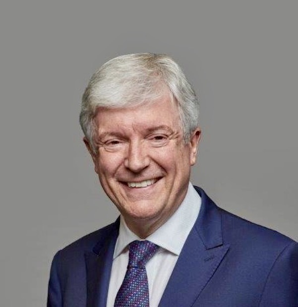 Tony Hall steps out of BBC into National Gallery